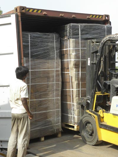 coco peat shipping on pallets